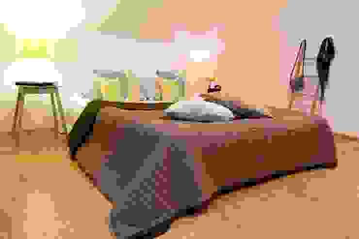 Schlafzimmer vorher von Raumpraesenz-Homestaging Landhaus