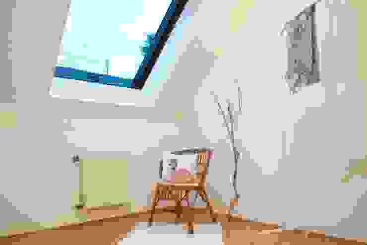 Umkleidezimmer nachher von Raumpraesenz-Homestaging Landhaus