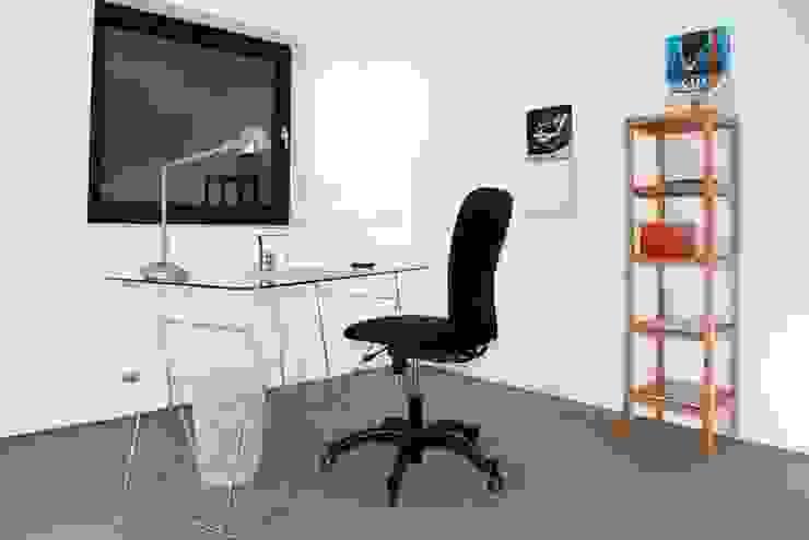 Büro nachher von Raumpraesenz-Homestaging Landhaus