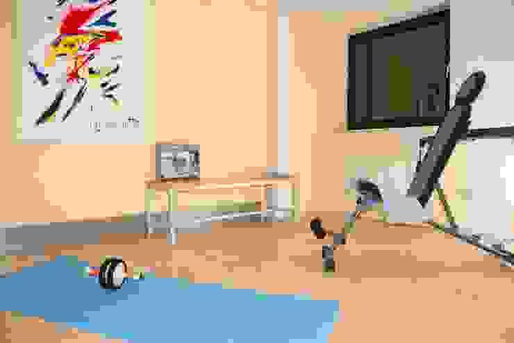 Fitnessraum nachher von Raumpraesenz-Homestaging Landhaus