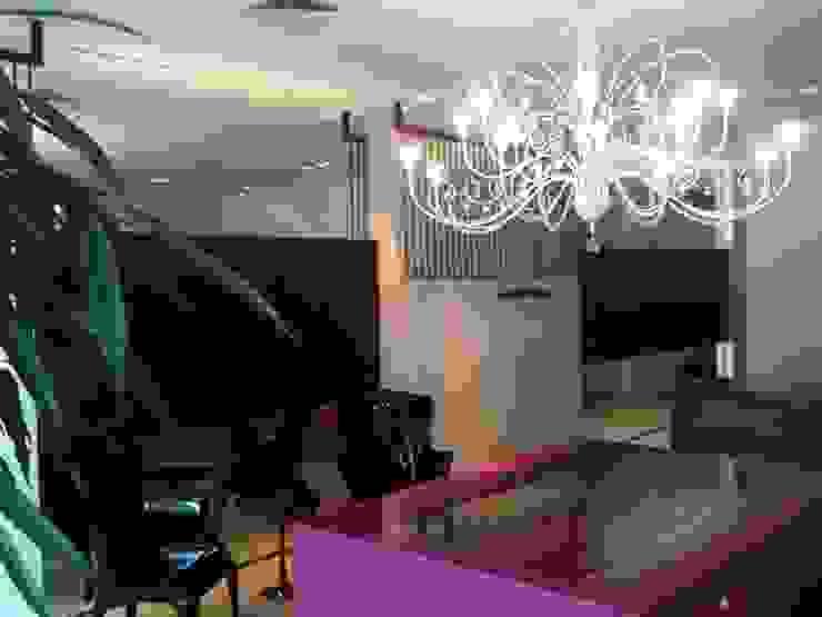 loja Lucia Helena Bellini arquitetura e interiores Salas de estar modernas