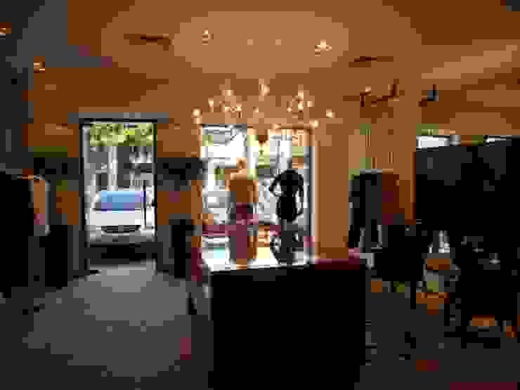 vitrine Lucia Helena Bellini arquitetura e interiores Salas de estar modernas