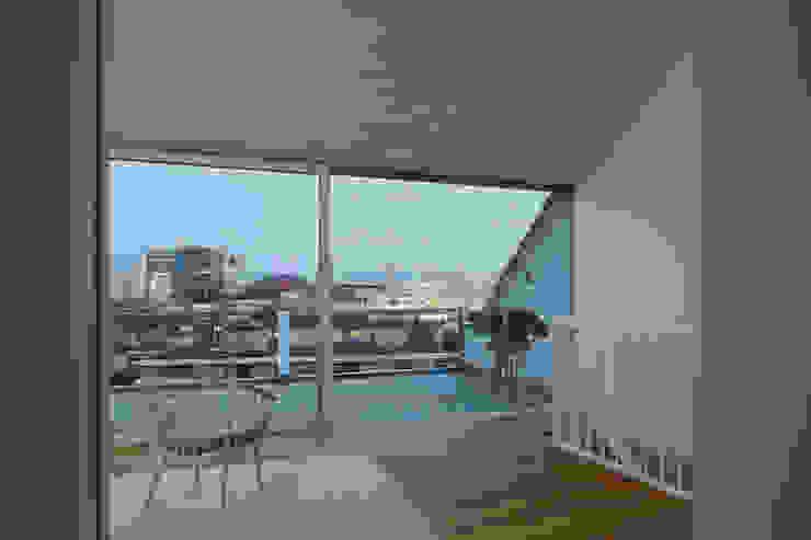 Um- und Ausbau eines Wohngebäudes von 1892, Basel Moderne Wohnzimmer von Forsberg Architekten AG Modern
