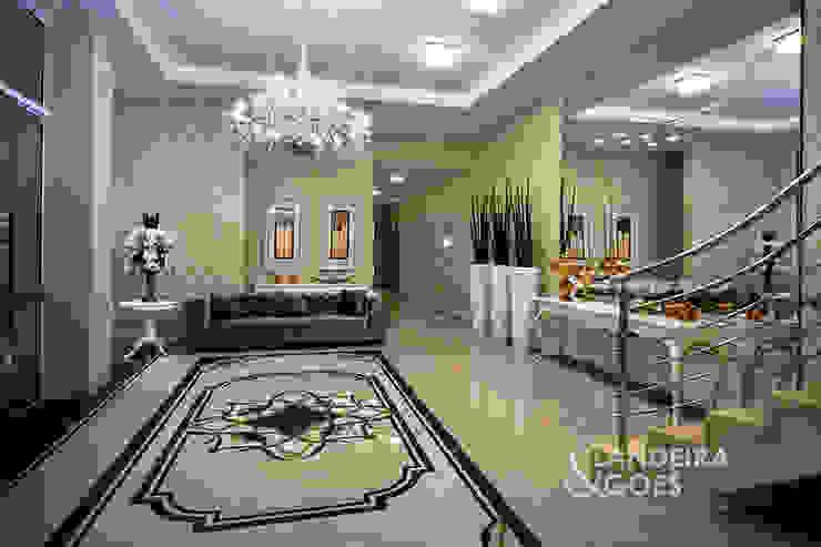 Classic corridor, hallway & stairs by Landeira & Goes Arquitetura Classic