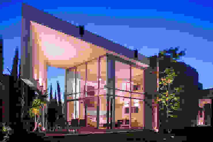 FACHADA INTERIOR Casas modernas de GRUPO VOLTA Moderno