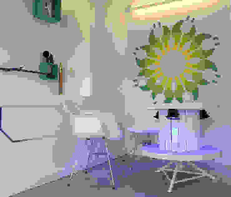 Mesa reciclada Lojas e Espaços comerciais modernos por Espaço de Ideias Moderno