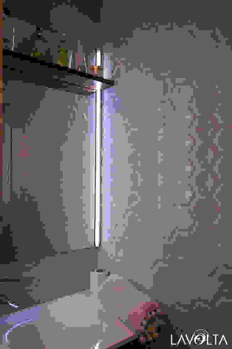 Moderne Badezimmer von Lavolta Modern Fliesen