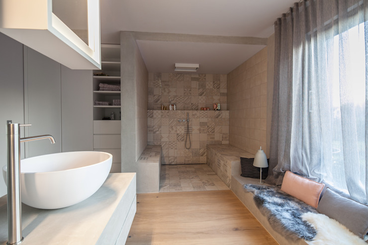 Modern Bathroom by BESPOKE GmbH // Interior Design & Production Modern