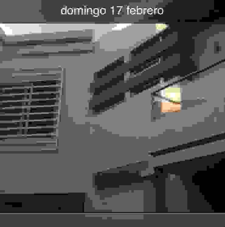 vista interior Casas minimalistas de OROPEZA ARQUITECTOS Minimalista Vidrio