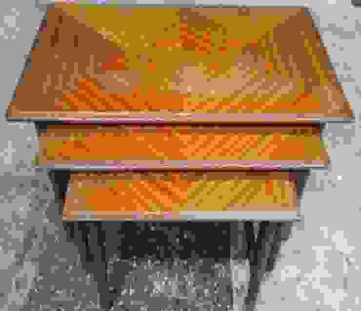 ネストテーブル: 二輪草家具が手掛けた折衷的なです。,オリジナル