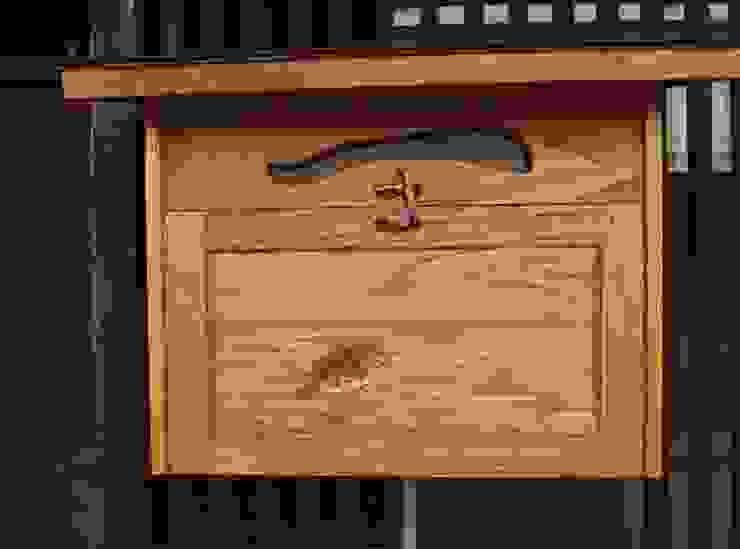 郵便受け~ヤマメ~: 二輪草家具が手掛けた折衷的なです。,オリジナル