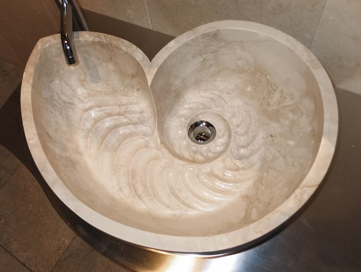 Vessel bathroom sink in marble cappuccino من CusenzaMarmi حداثي رخام