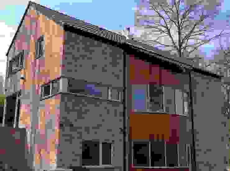 Une maison passive dans les bois, à Céroux-Mousty Maisons modernes par Bureau d'Architectes Desmedt Purnelle Moderne
