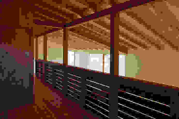 環境創作室杉 Minimalist style conservatory Solid Wood