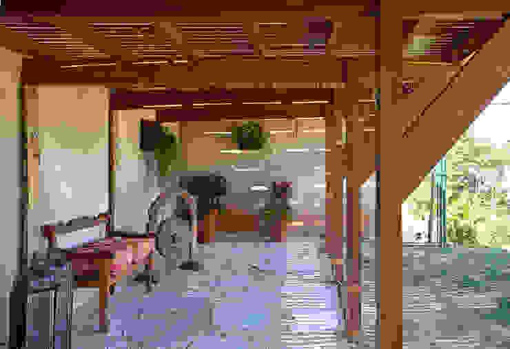 Jardines de estilo moderno de Samy & Ricky Arquitetura Moderno