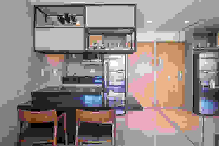 Apartamento HM Cozinhas modernas por Carpaneda & Nasr Moderno