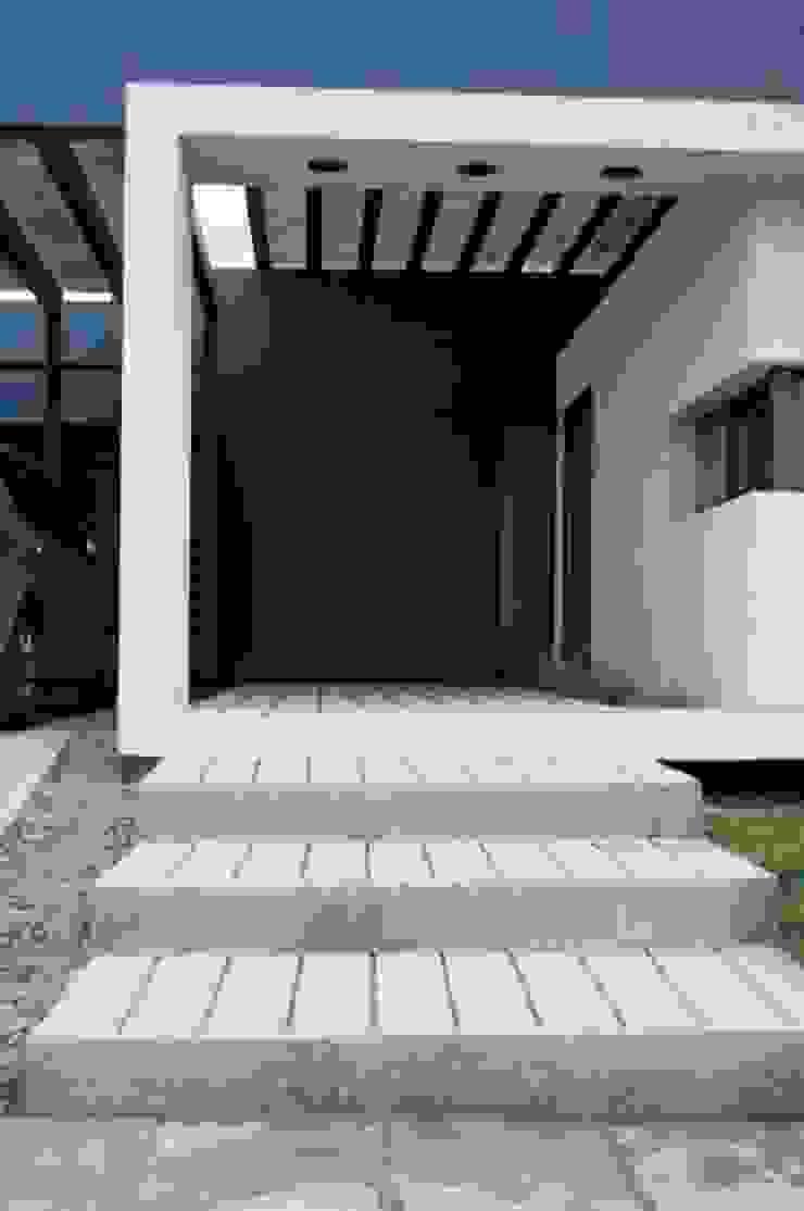 Casa Boedo Casas modernas: Ideas, imágenes y decoración de Bonomo&Crespo Arquitectura Moderno