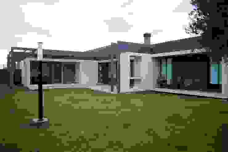 Casa Boedo Casas eclécticas de Bonomo&Crespo Arquitectura Ecléctico