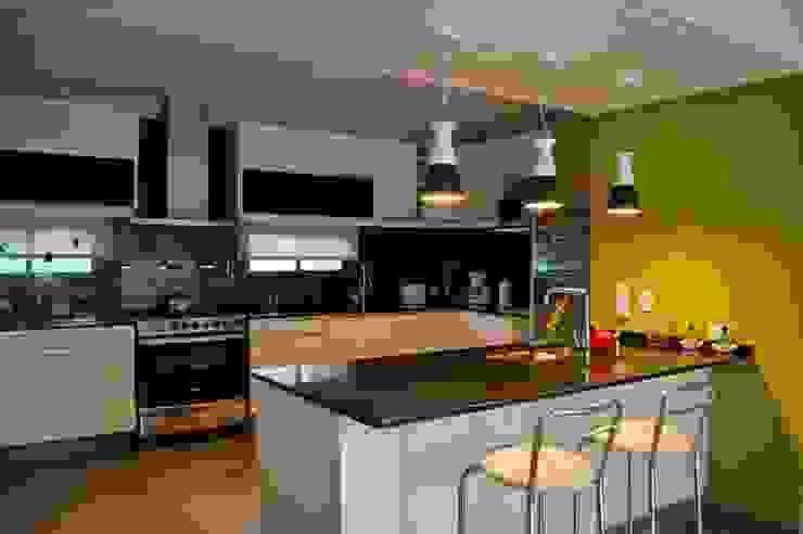 Casa Boedo Cocinas eclécticas de Bonomo&Crespo Arquitectura Ecléctico