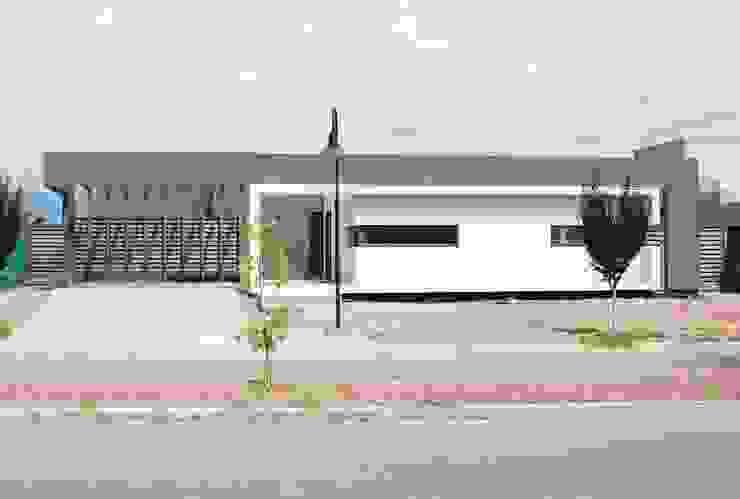 Rumah Gaya Eklektik Oleh Bonomo&Crespo Arquitectura Eklektik