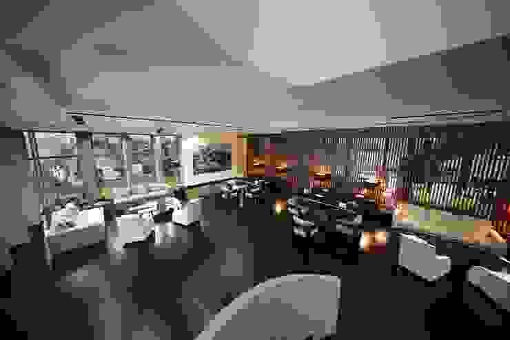 Salas de estar modernas por Kerim Çarmıklı İç Mimarlık Moderno
