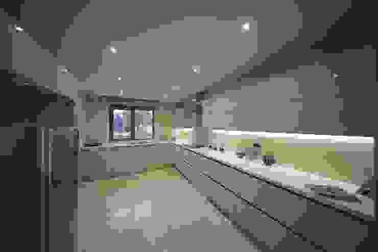 TEKNİK YAPI ÖRNEK DAİRE Modern Mutfak Kerim Çarmıklı İç Mimarlık Modern
