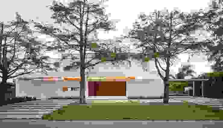 Rumah Modern Oleh Aulet & Yaregui Arquitectos Modern