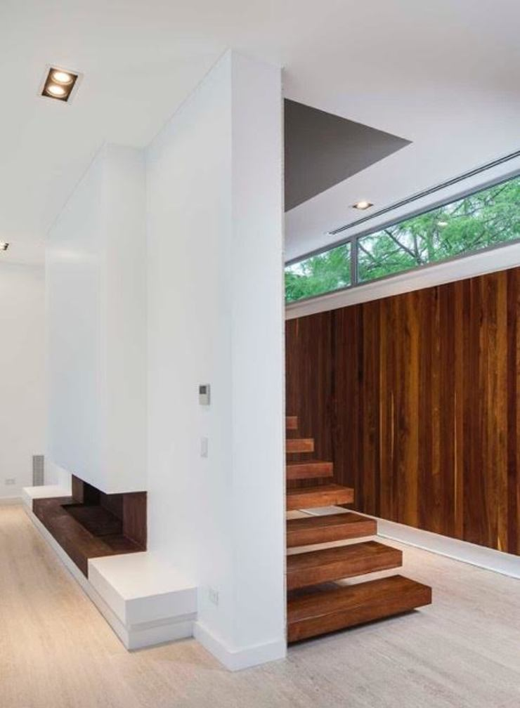 Modern Corridor, Hallway and Staircase by Aulet & Yaregui Arquitectos Modern