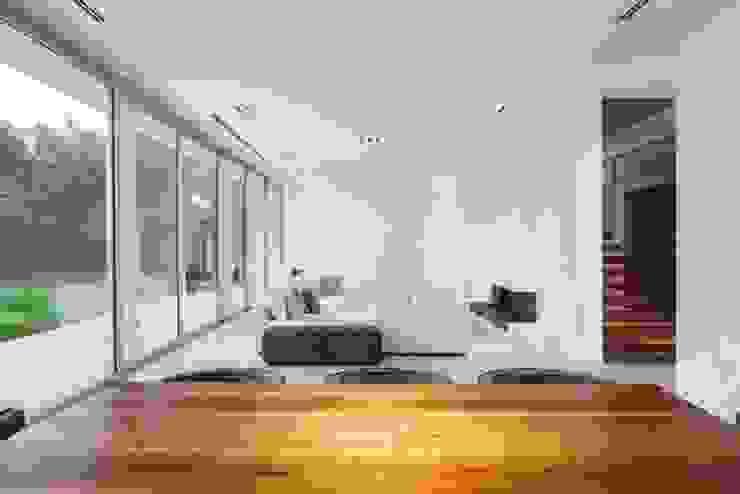 Ruang Keluarga Modern Oleh Aulet & Yaregui Arquitectos Modern