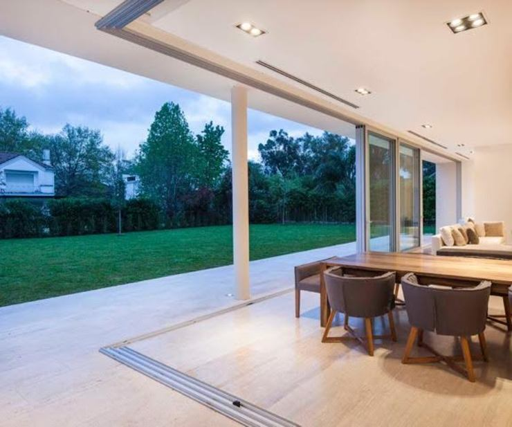 Modern Terrace by Aulet & Yaregui Arquitectos Modern