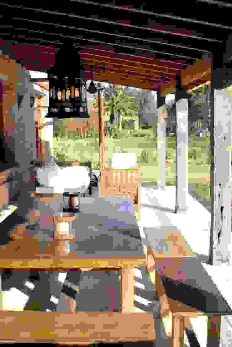 Casa Dodero Balcones y terrazas modernos: Ideas, imágenes y decoración de Aulet & Yaregui Arquitectos Moderno