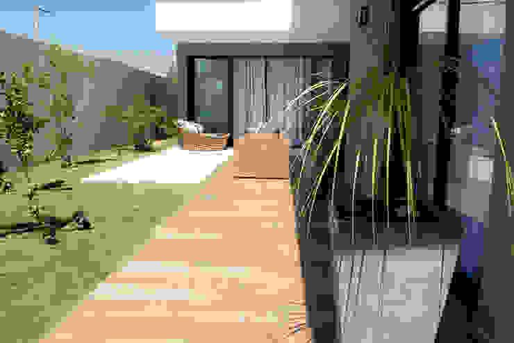 Huizen door Camila Castilho - Arquitetura e Interiores,