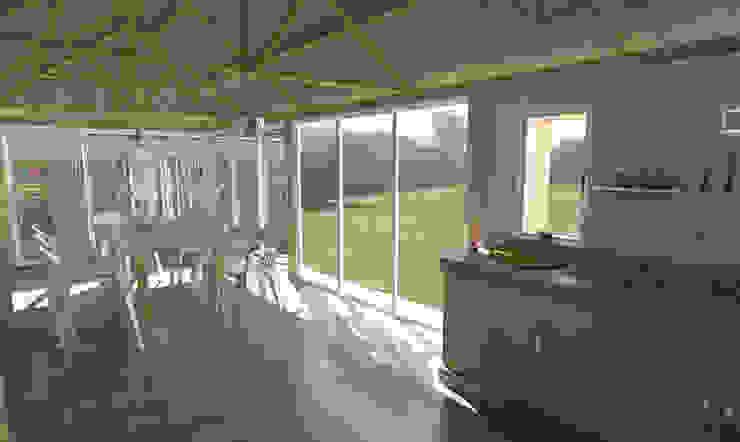 Interior quincho Comedores modernos de Bessone Arquitectos Moderno