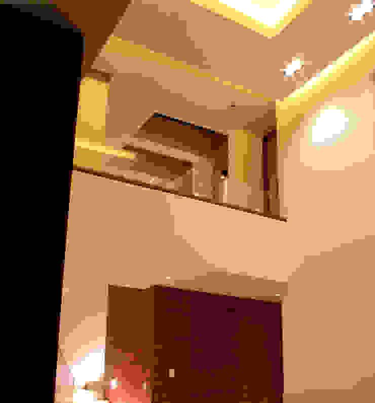 GRUPO VOLTA Moderne Wohnzimmer