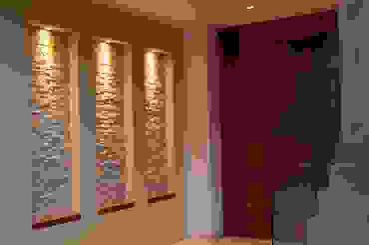 Ingresso, Corridoio & Scale in stile moderno di GRUPO VOLTA Moderno