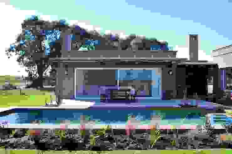 Pool by Aulet & Yaregui Arquitectos, Modern