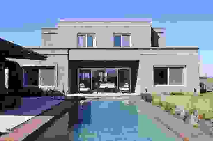 Piscinas de estilo  de Aulet & Yaregui Arquitectos, Moderno