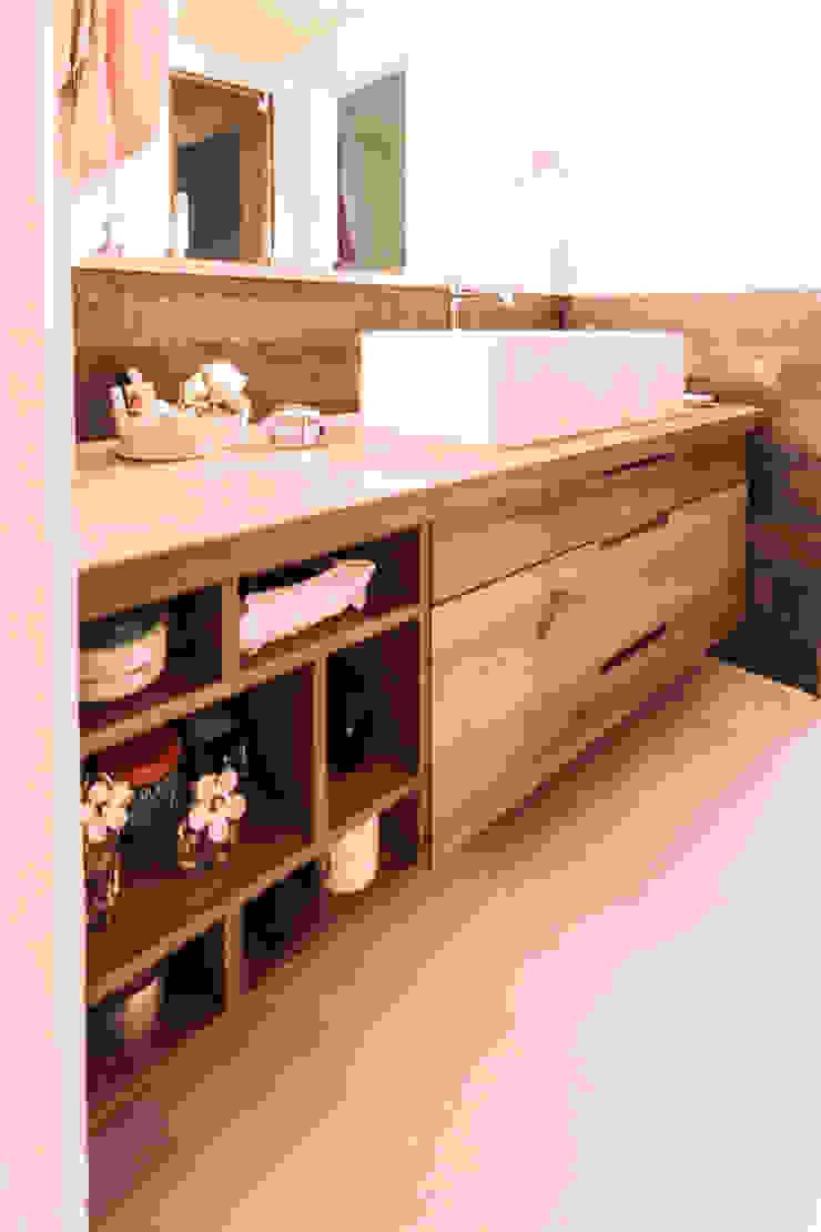 modern  by Galleria del Vento, Modern Solid Wood Multicolored
