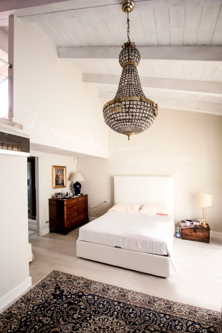 Eclectic style bedroom by Galleria del Vento Eclectic