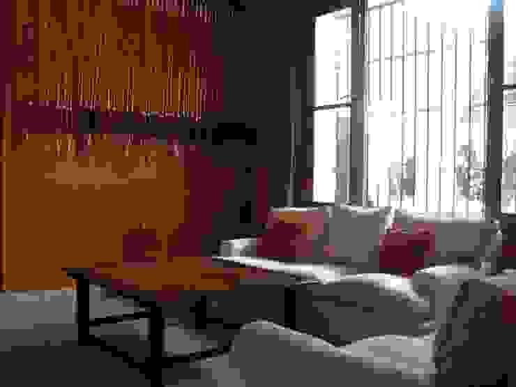 Von Neufforge Livings de estilo colonial de Aulet & Yaregui Arquitectos Colonial