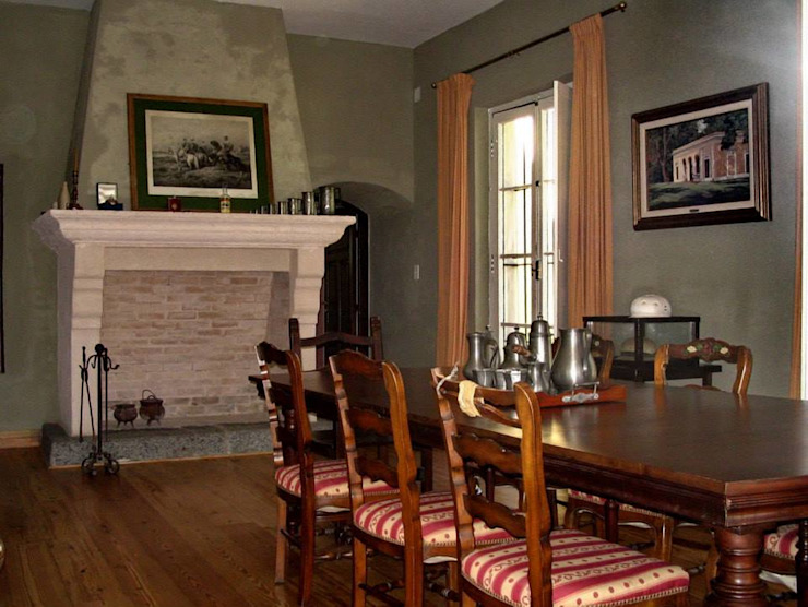 Colonial style dining room by Aulet & Yaregui Arquitectos Colonial