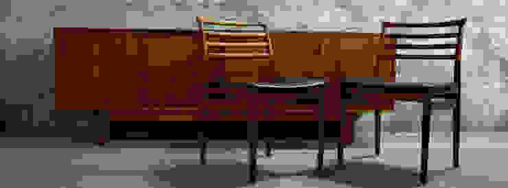 Bramin Teak Sideboard & Erling Torvits | Disponíveis_Available Salas de estar escandinavas por Retro Wood Escandinavo