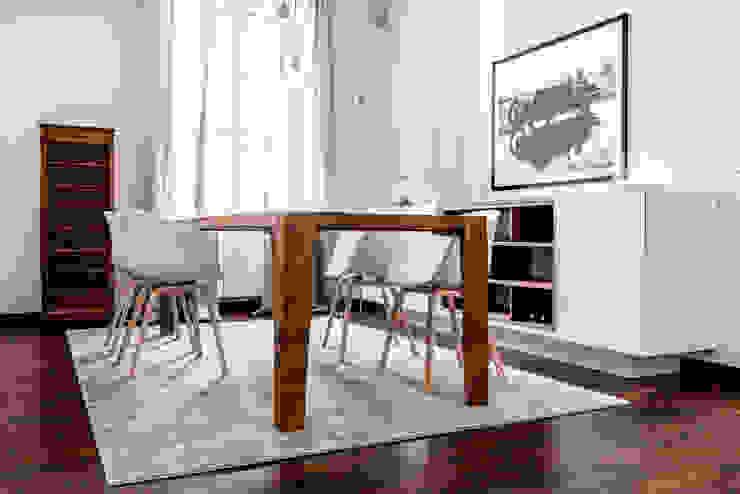 Modern dining room by Galleria del Vento Modern