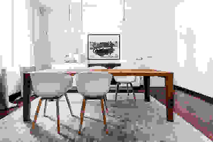 Appartamento Residenziale - Milano 2014 Sala da pranzo moderna di Galleria del Vento Moderno