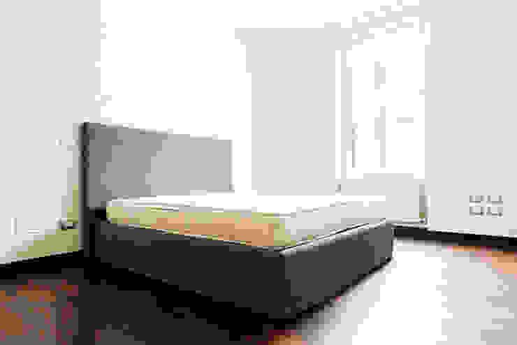 Modern style bedroom by Galleria del Vento Modern