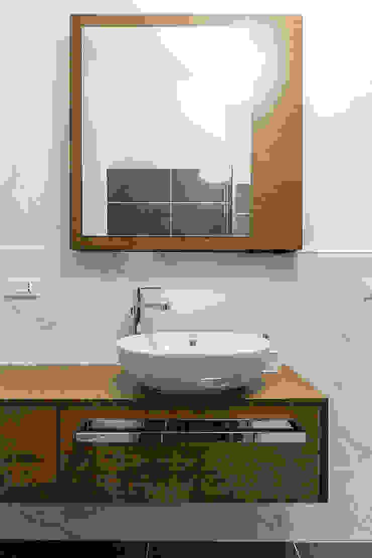 Modern bathroom by Galleria del Vento Modern