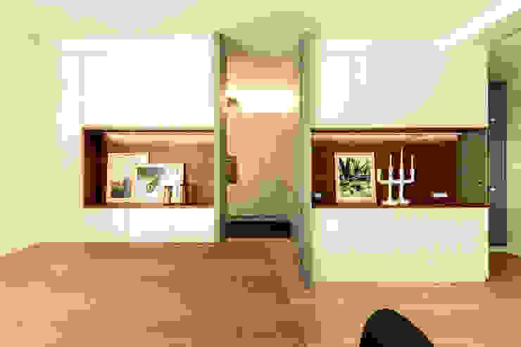 Appartamento Residenziale - Cernobbio 2015 Soggiorno moderno di Galleria del Vento Moderno