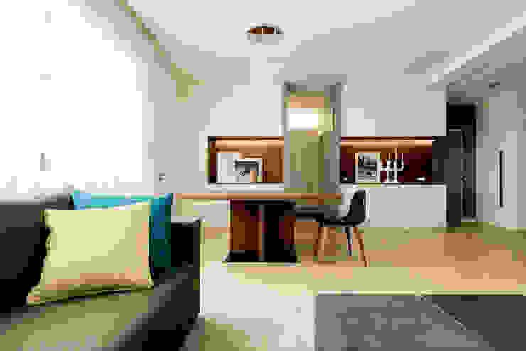 Appartamento Residenziale - Cernobbio 2015 Sala da pranzo moderna di Galleria del Vento Moderno