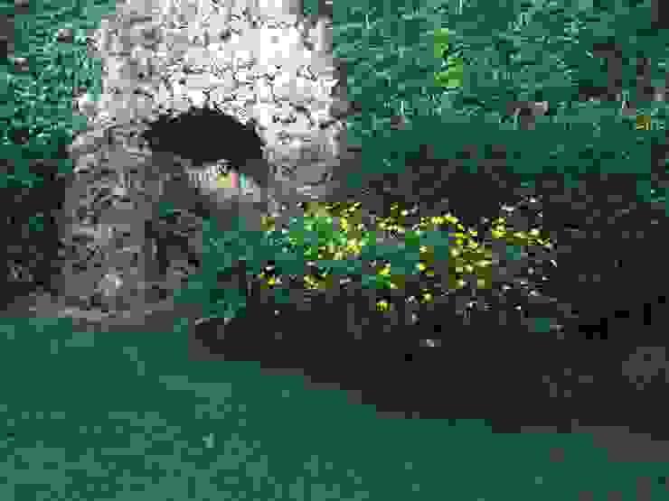 Jardines Jardines de estilo clásico de Quercus Jardiners Clásico