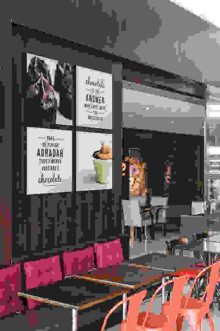 Comunicação Visual Espaços comerciais modernos por Studio Cinque Moderno